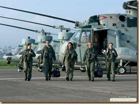 females-soldiers-920-20[1]